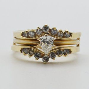 14K Yellow Gold With Cluster Diamonds Ring, Size 6